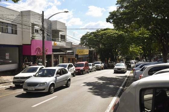 Com novo decreto municipal, comércio de Umuarama volta a abrir às 8h
