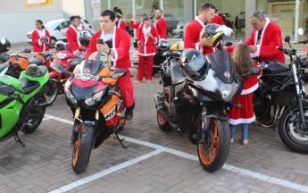 Desfile de Papais Noéis Motociclistas